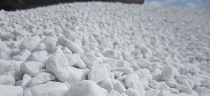 Ciottoli bianchi di marmo bianco carrara bombardieri for Ciottoli bianchi giardino prezzo